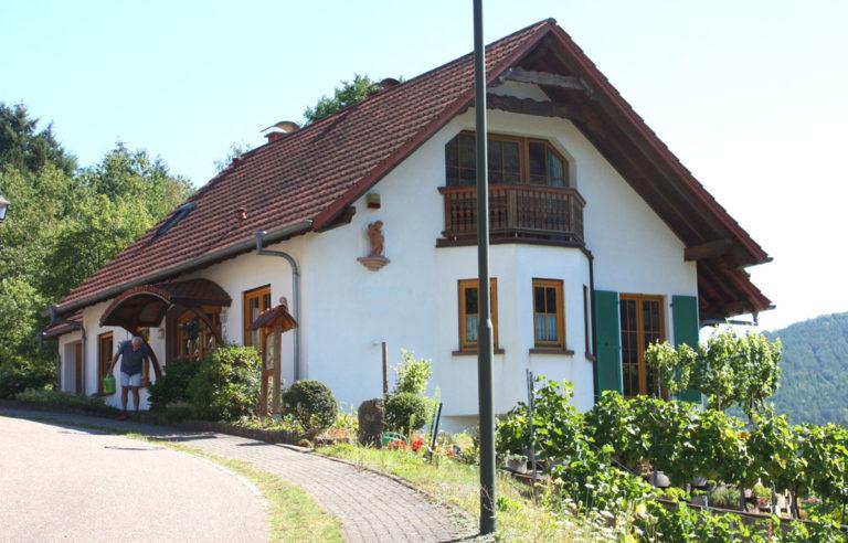 Gästehaus Schwöbel Frontansicht